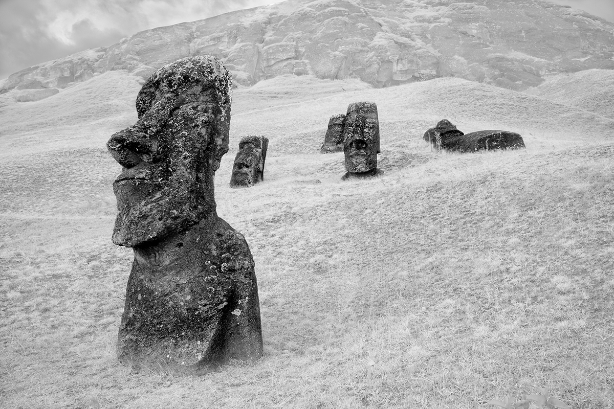 2015-1-1 Moai at Rano Raraku No 6 - Final 2-19-2015.jpg