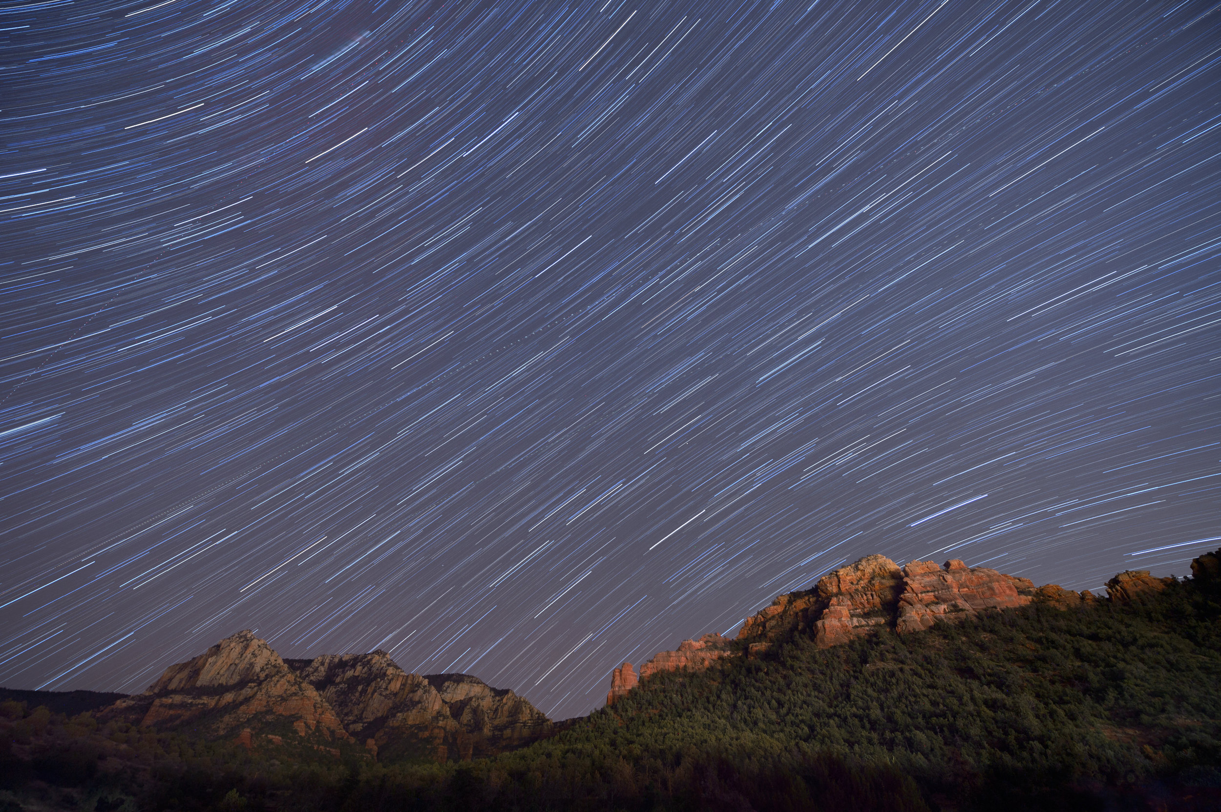 Sotheast view in Sedona, Arizona. Nikon D4s, 14-24mm f/2.8 lens. 4 minutes, f/4, ISO 200. Photo © Tim Cooper.