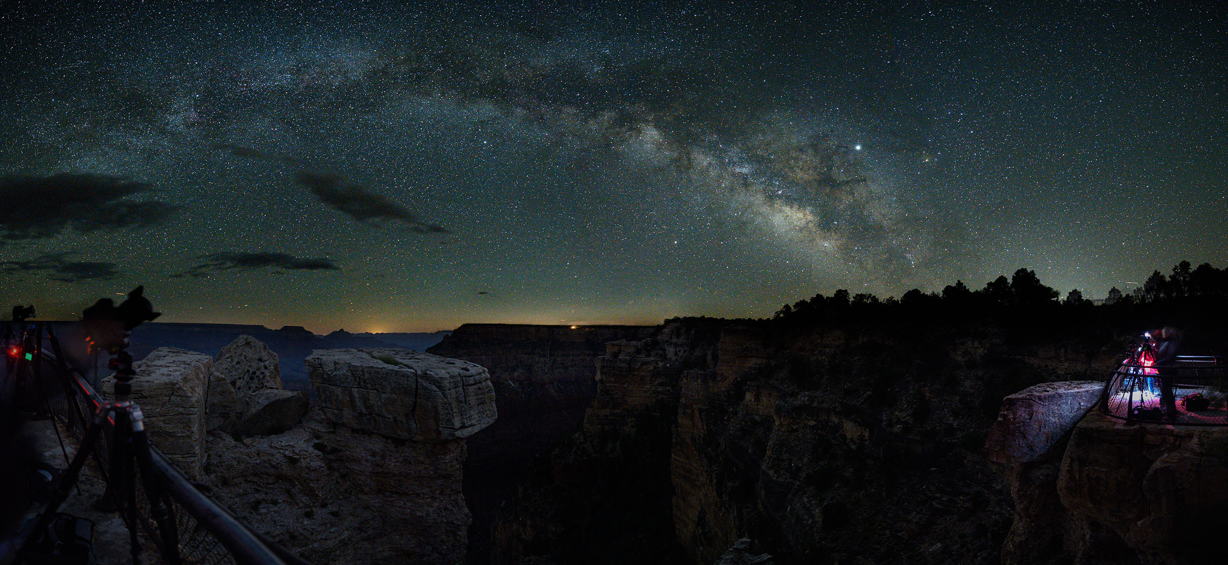 Photographing the Milky Way at Mather Point. © 2019 Gabriel Biderman.