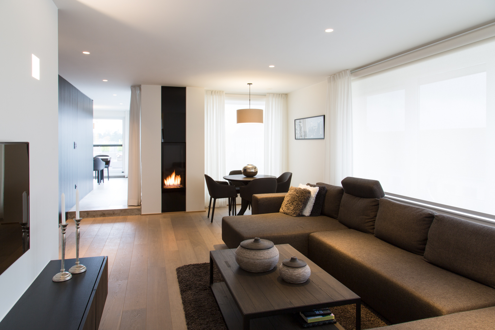 Nieuw appartement met warme houtaccenten