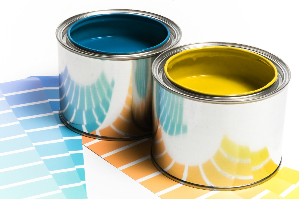 stock-photo-5373958-house-painter-beginning-to-paint-a-large-wall.jpg