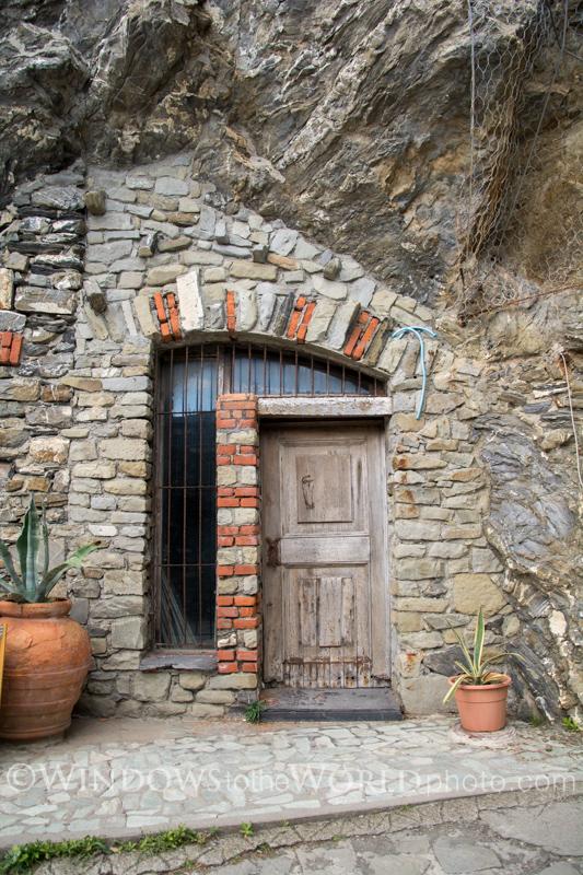 Open Door, Cinque Terre