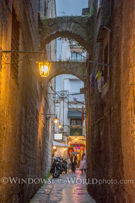 Taverna Allegra, Italian Alley series III