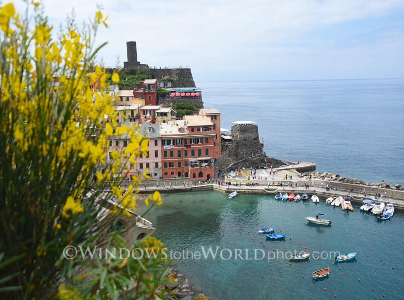 Peek a boo Vernazza, Cinque Terre