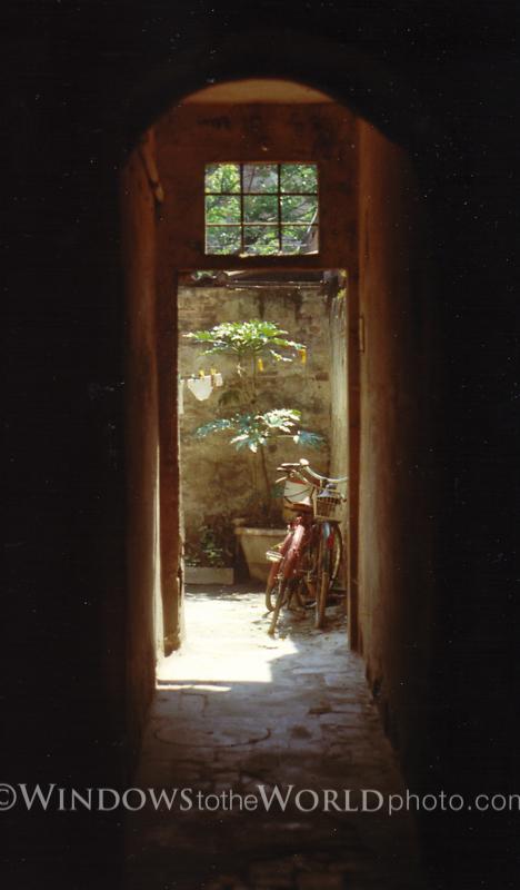 Italian Alley series I, 1980