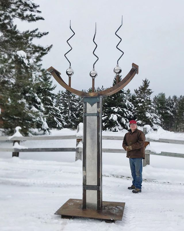 This sculpture made its debut out of the shop today! It's yet to be named... what would you call it?  #achillwindsmetalart #metalsculpture #mnart #metalartist #sculpture #minnesotaartist #duluthartist #namethatsculpture
