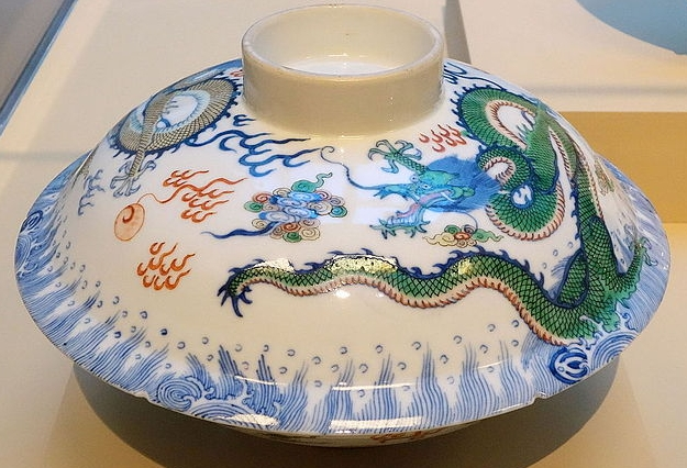 Jingdezhen porcelain in the Asian Art Museum of San Francisco  Courtesy of Wiki-commons