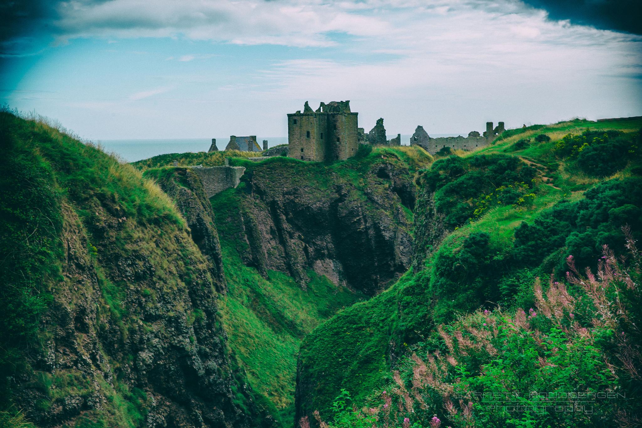 Dunnottar Castle #scotland #valley #cliffs #stonehaven