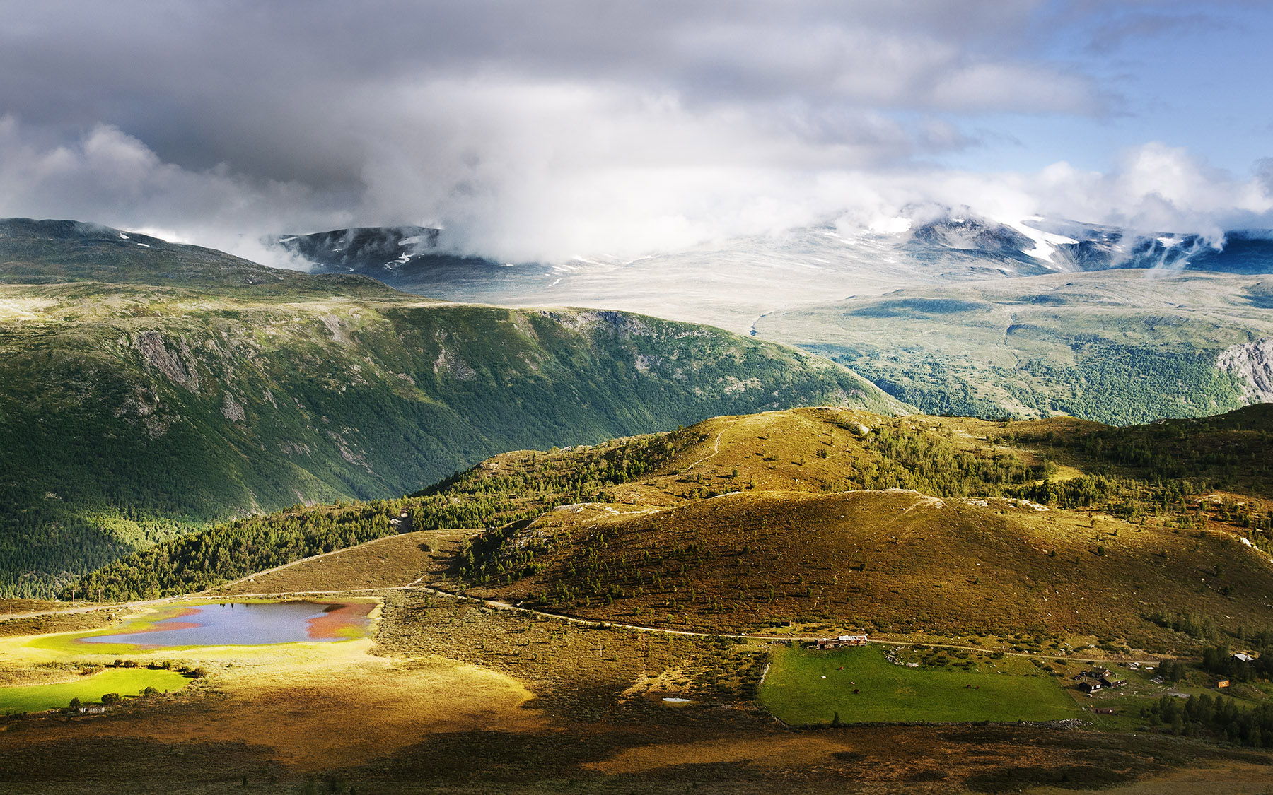 jotunheimen-landskap-ruben-kvamme-foto