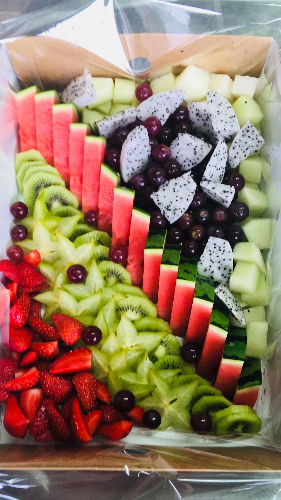 fruitplatter...jpg