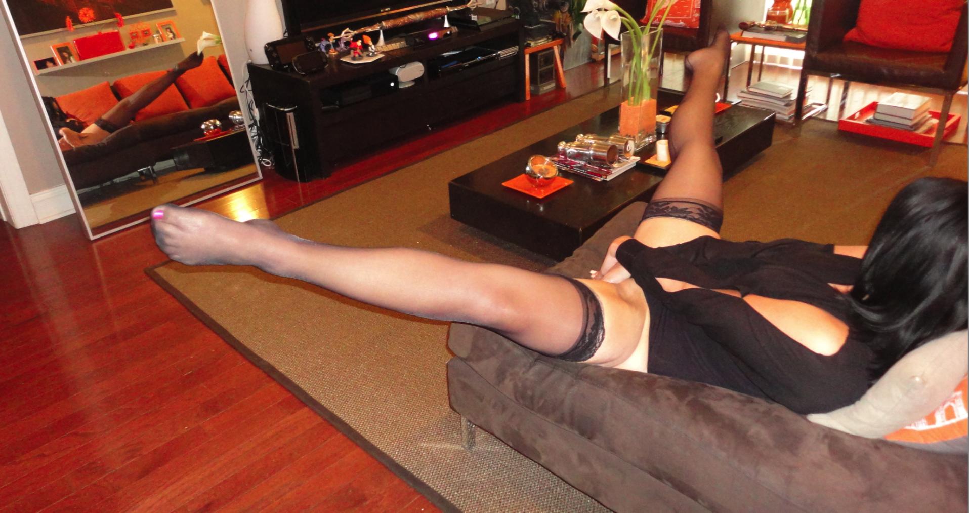 Angie Black Split 4.png