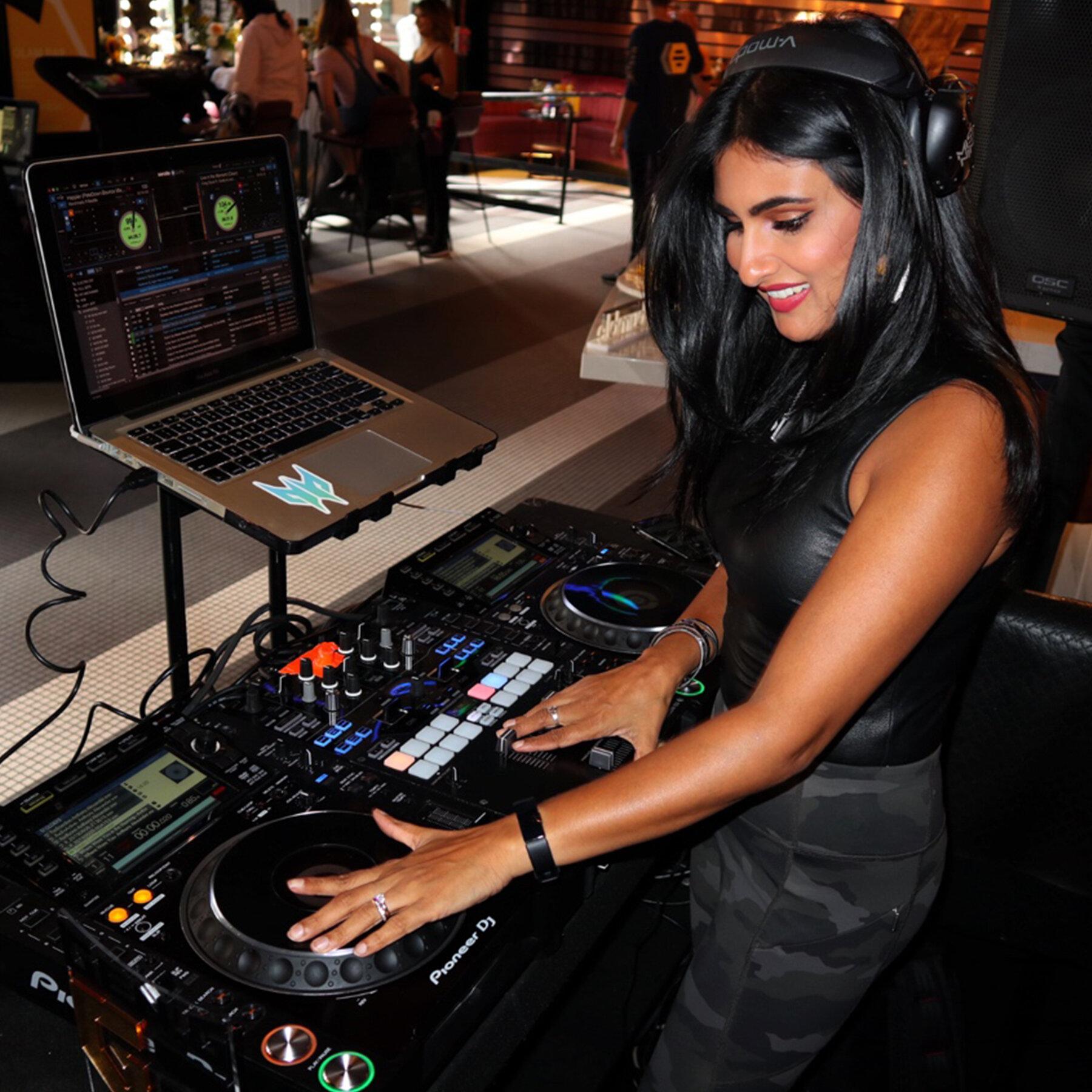Miss Ninja Prism DJs GenG x Bumble TwitchCon 2.jpg