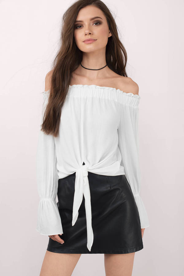 white-deserie-off-shoulder-blouse.jpg