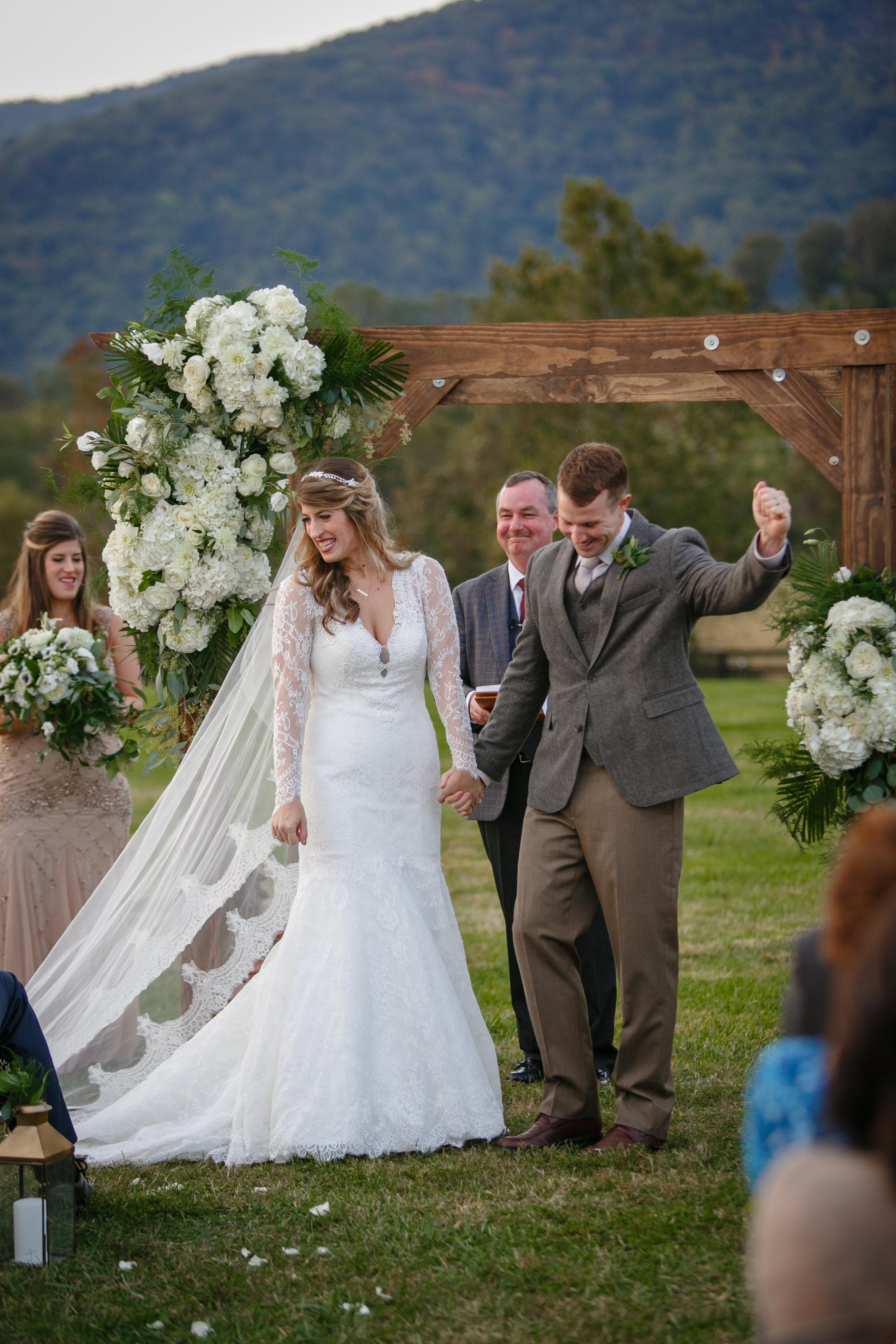 king-family-vineyards-virginia-wedding_576.jpg