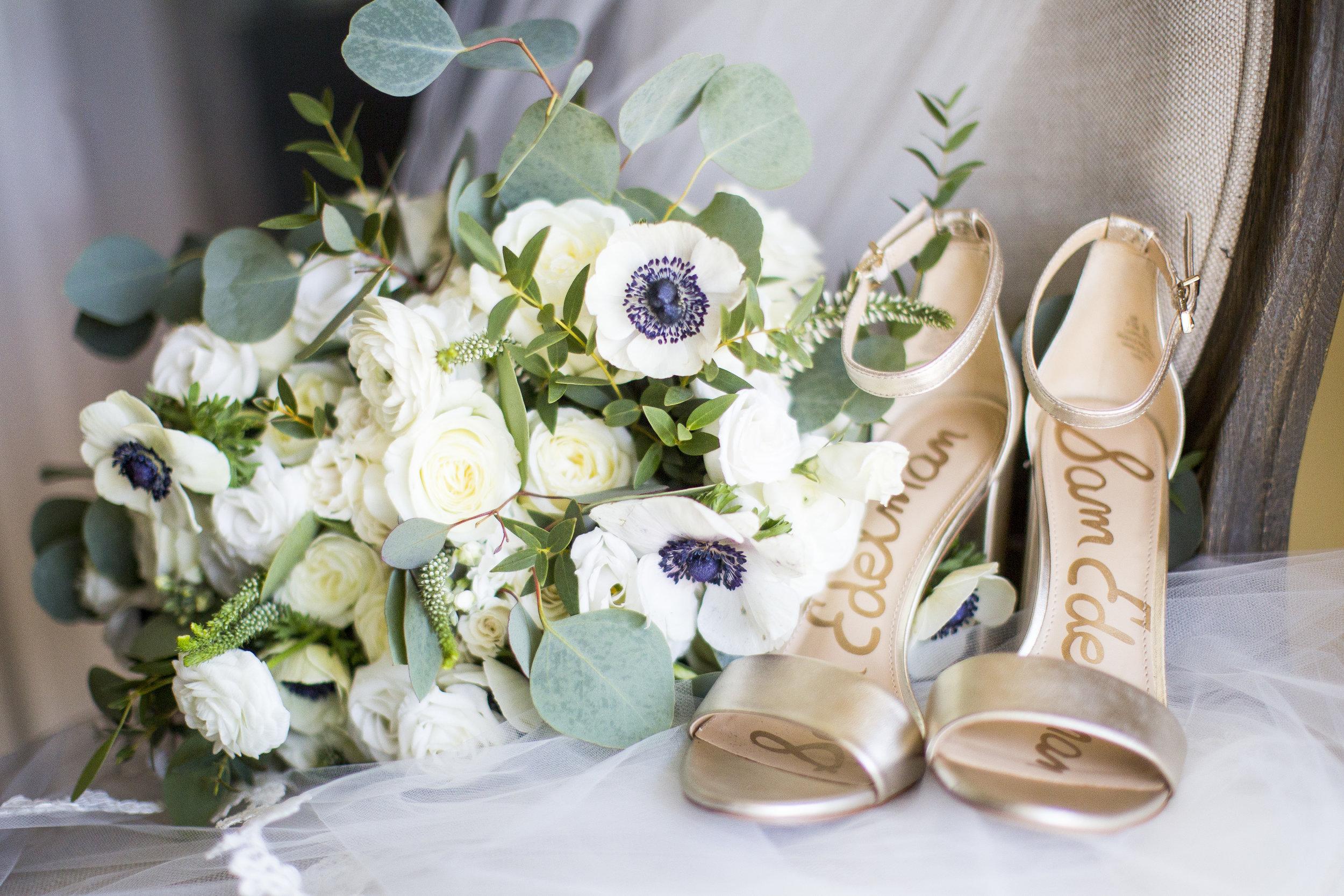 Courtney Inghram Early Mountain Vineyard Charlottesville Virginia Wedding Florist Neutral Wedding