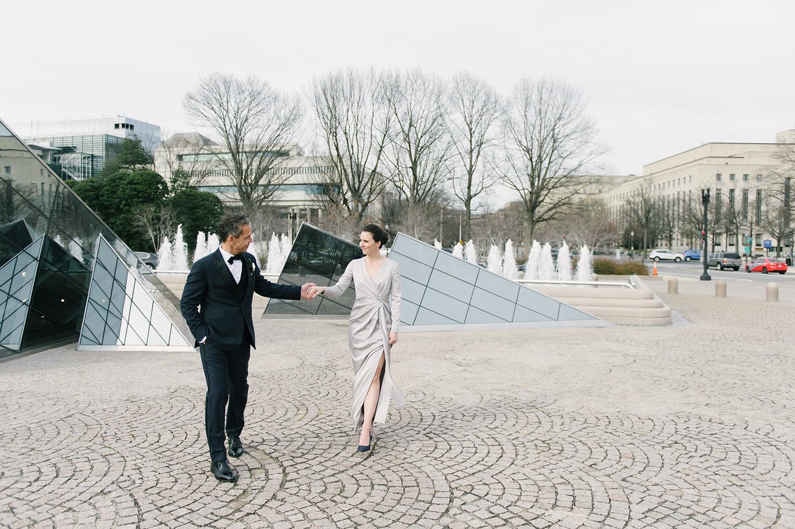 trad-elopement-nga-sarah-street-photography-140_websize.jpgCourtney Inghram Washington DC National Gallery of Art Modern Wedding Florist Winter Wedding