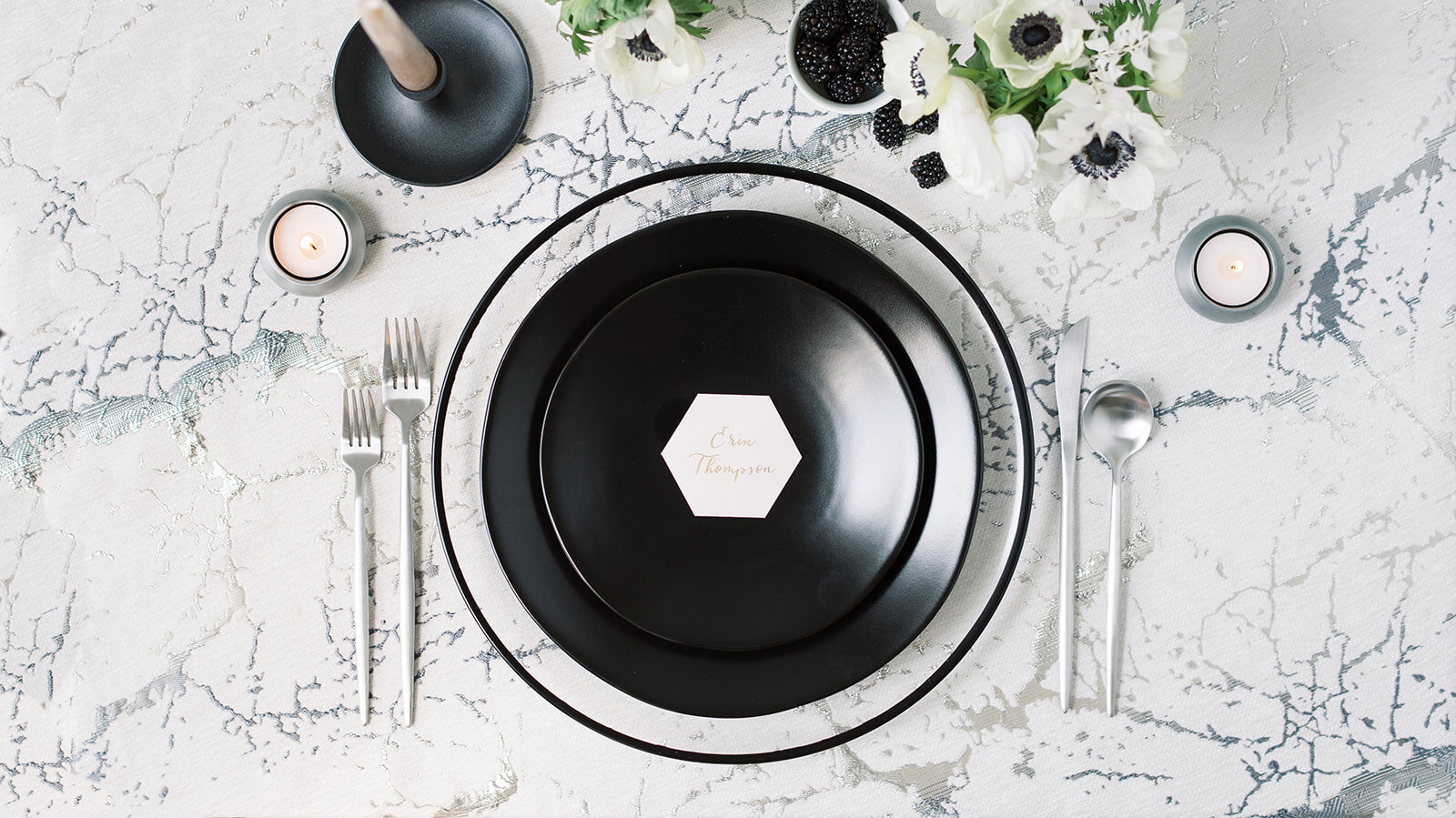 Wedding and event rentals Norfolk, Williamsburg and Richmond, Virginia. Tabletop wedding and party rentals. Chargers, modern plates, glassware, and flatware available.