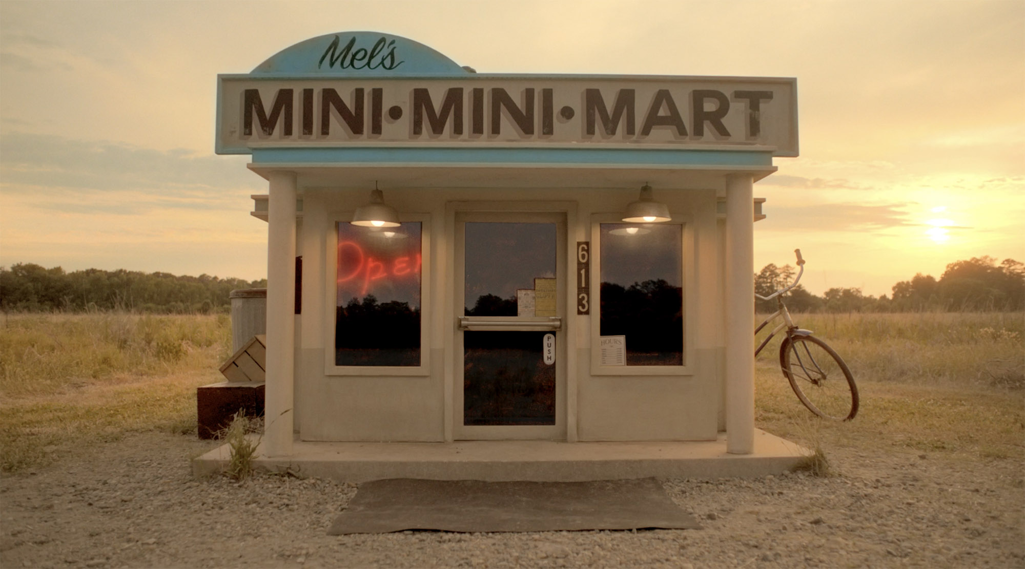 Mel's Mini Mini Mart at Sunset
