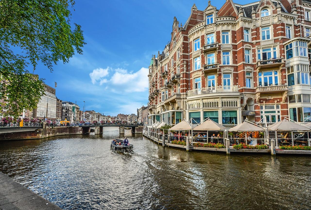 amsterdam-2203076_1280.jpg