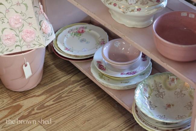 vintage dishes | thebrownshed.com