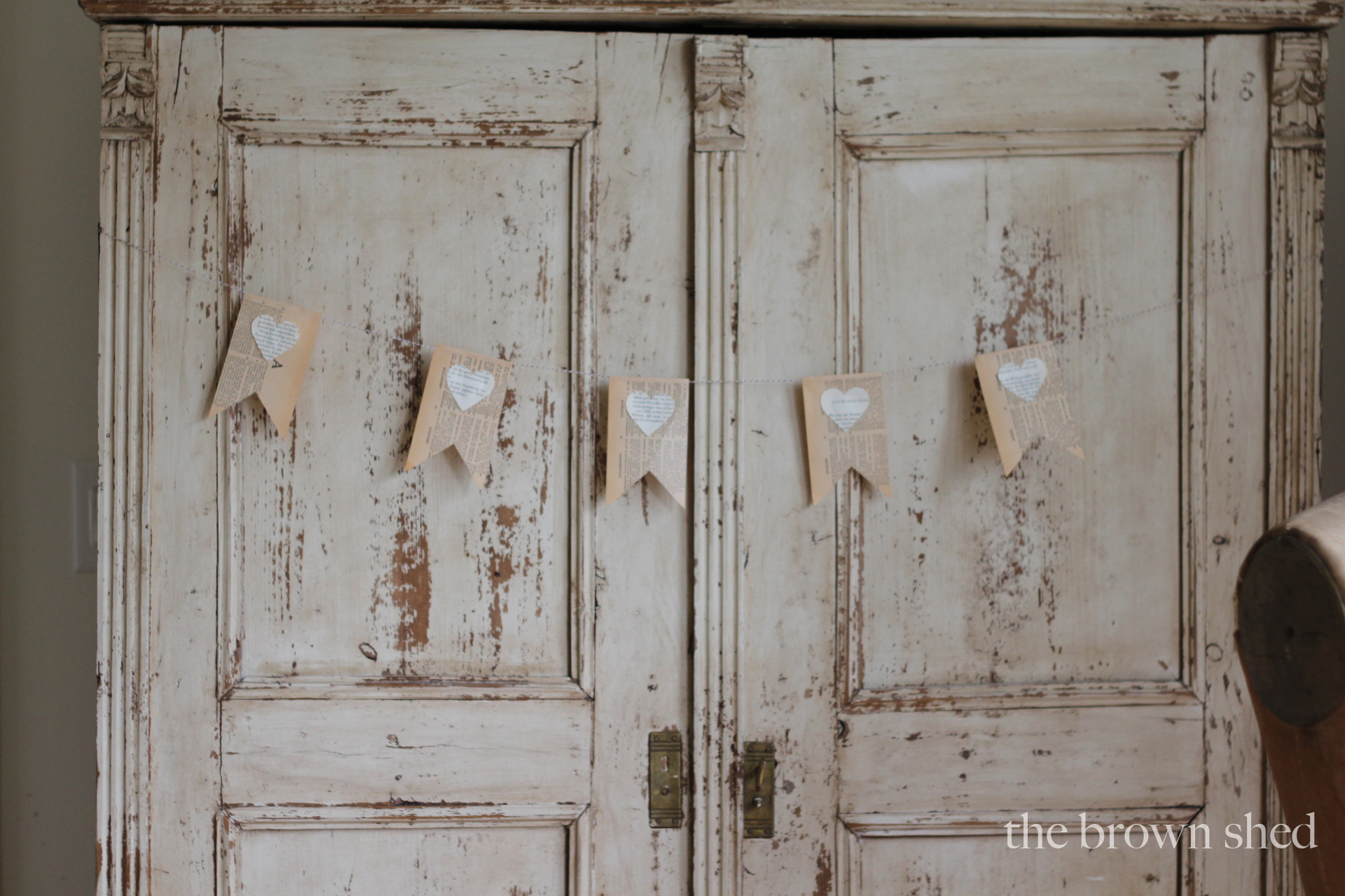 Simple Valentine Bunting | thebrownshed.com