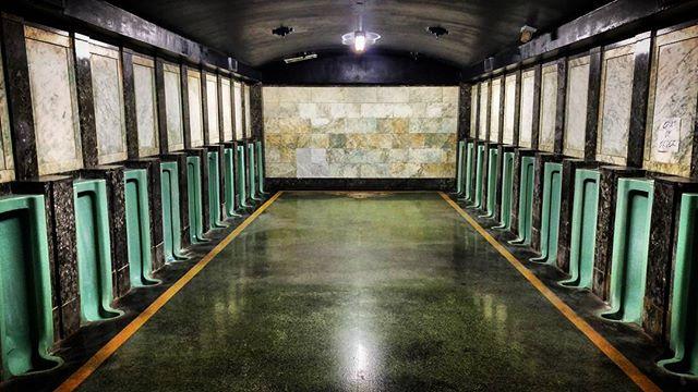 I stumbled into the Silencio bathroom from Mulholland Drive. #davidlynch #mullhollanddrive