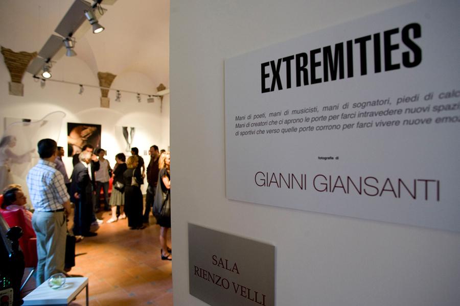 1-Extremities-Gianni-Giansanti.jpg