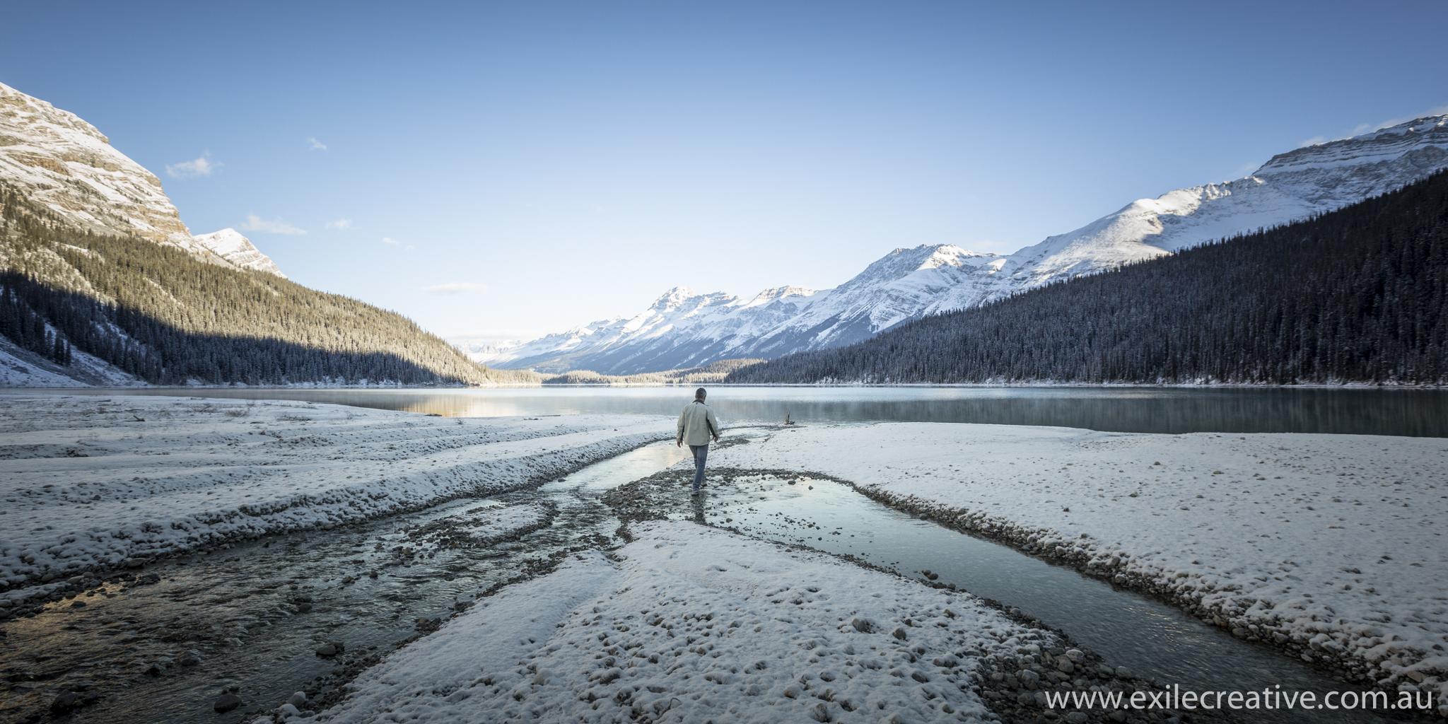 The glacier enter in Peyto Lake