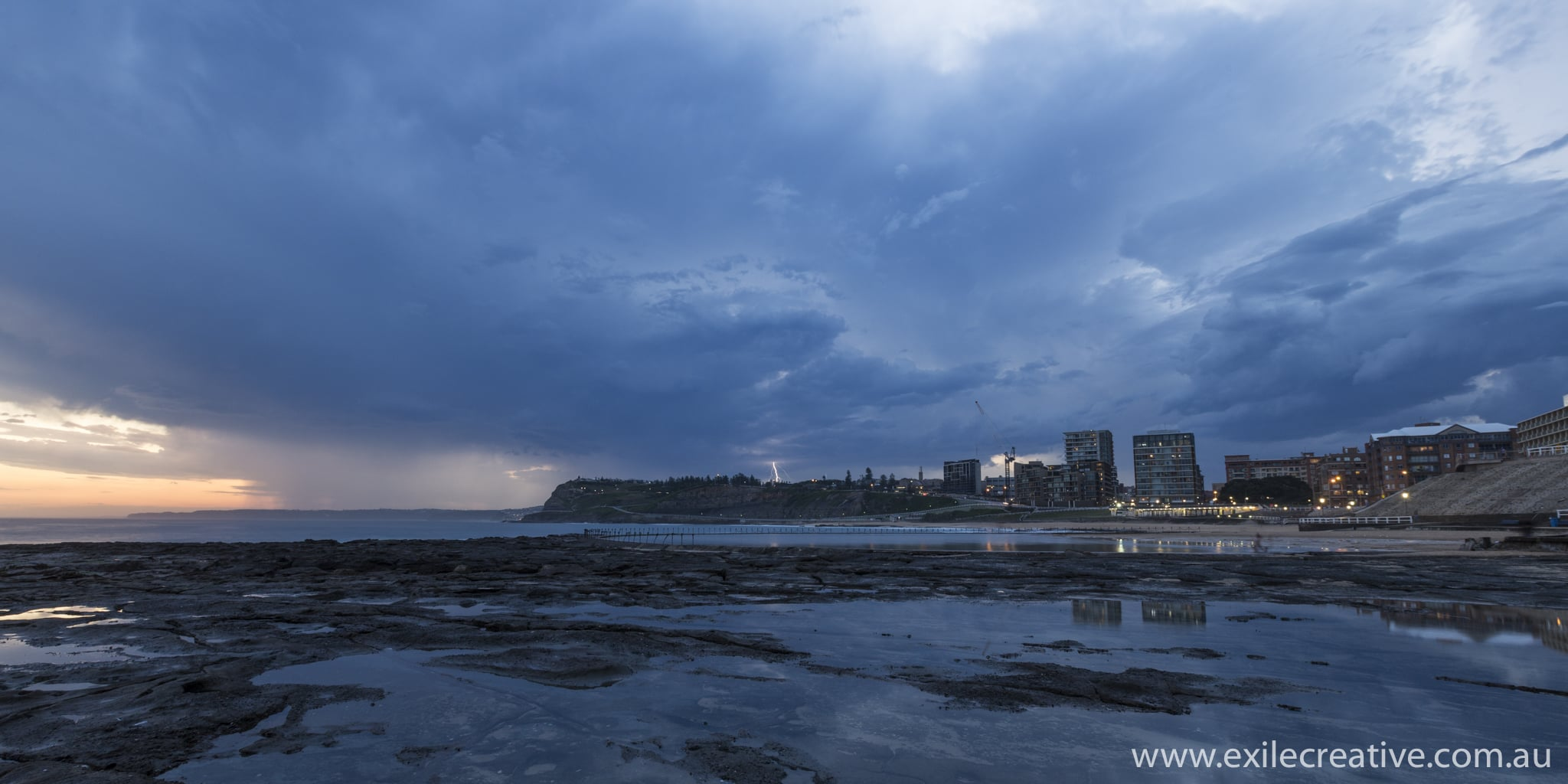 Storm rolls in over Newcastle beach