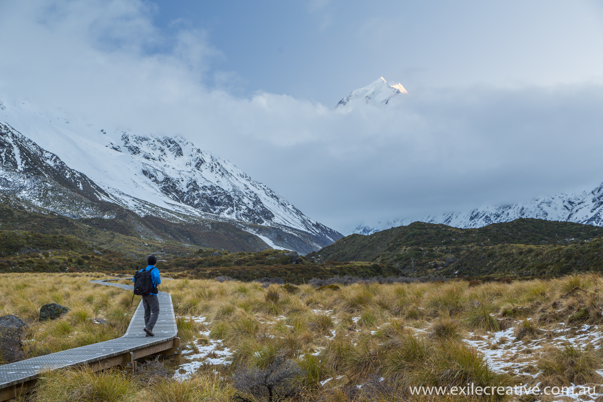 Mt Cook peeks out from behind the cloud.  Canon 5Dmiii, 24-105L @ 50mm, ISO400, f/5.6, 1/15s with 0.6 Soft GND
