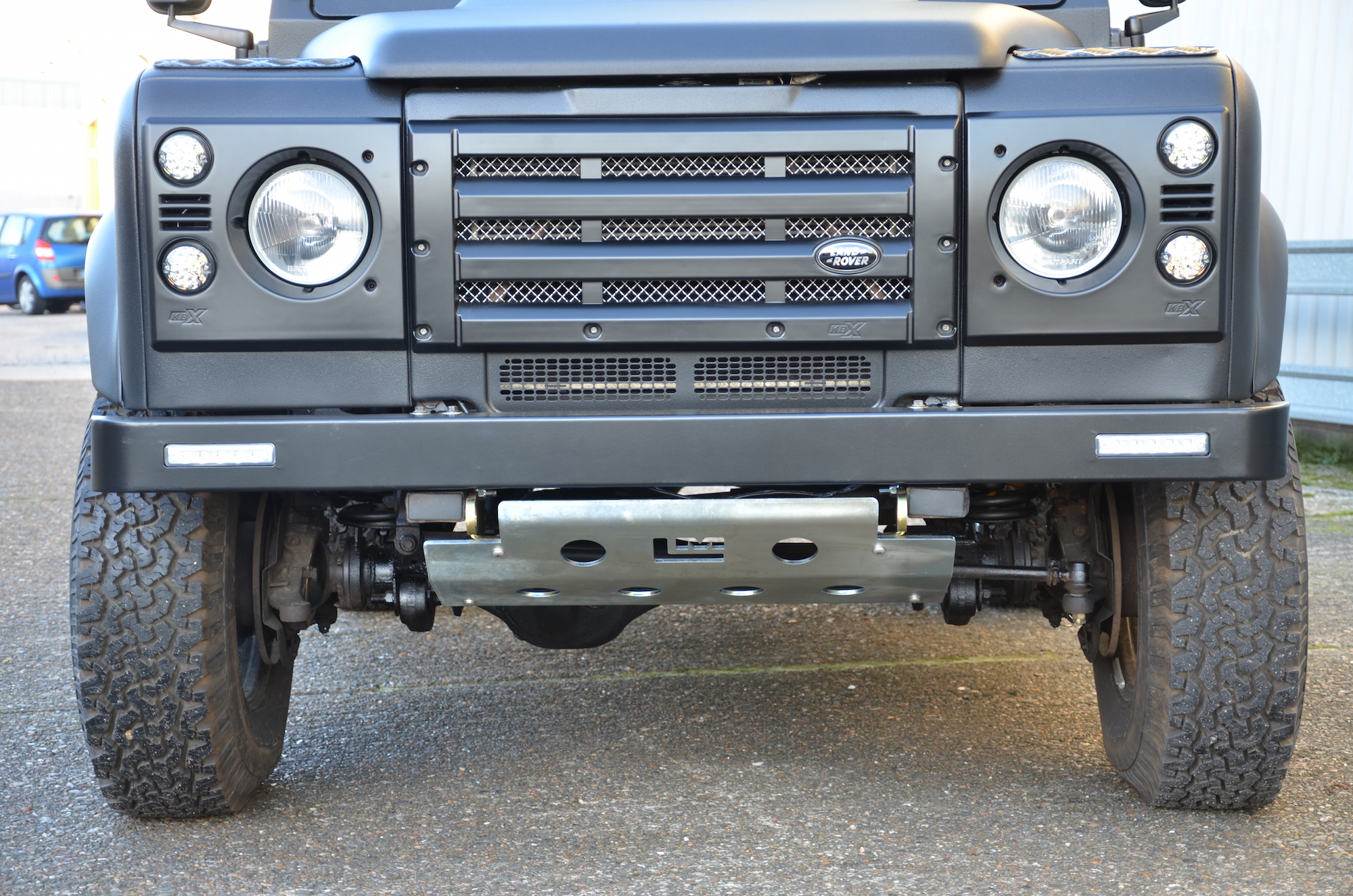 KBX FRONT GRILL KIT AND AIR INTAKES