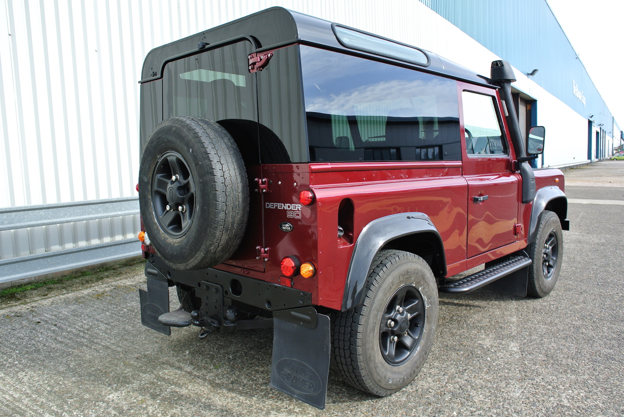PANORAMIC GLASS - SIDES AND REAR QUARTERS £896. REAR DOOR