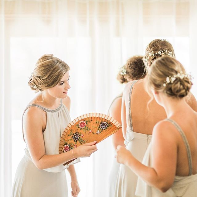 Bridesmaids 💛 • • • •  #weddingphotography #bridesmaids #elopement #destinationweddingphotographer #elopementlove #wedding #fineartweddings #weddinginspo #bridetobe #chasinglight #loveauthentic #bridalbeauty #bridalstyle #photobugcommunity #elopementcollective #vscocam #risingtidesociety #heyheyhellomay #fpme #lookslikefilm #loveauthentic #radlovestories #utterlyengaged #weddinglegends #belovedstories #bohoinspiration #filmpalette #kinfolk #adventureelopement #luxurybride