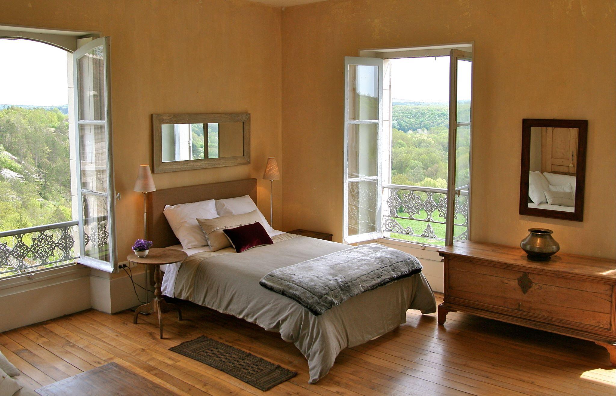 cornerbedroom.jpg