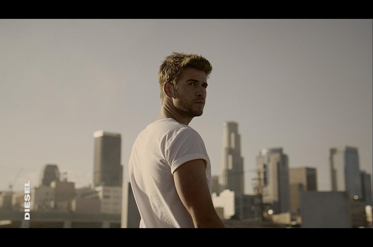 Liam Hemsworth 1 LB2.jpg