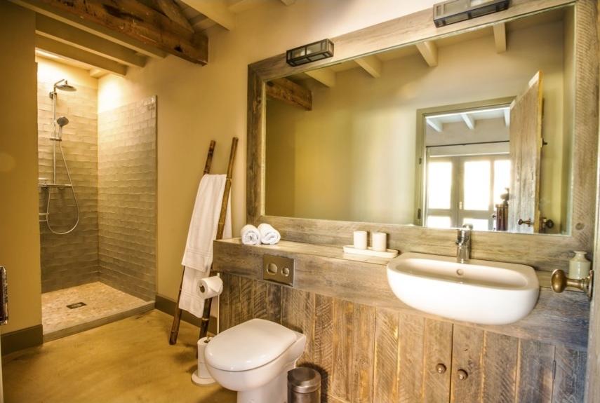 westlexhambathroom2.jpg