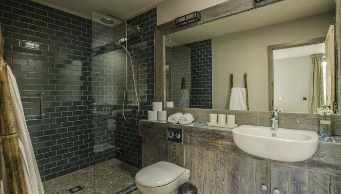 Westlexhambathroom.jpg