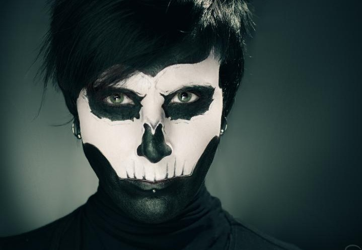 abbey_show_skull_makeup_2_by_incomplete_cadence_d5azs5h-fullview.jpg