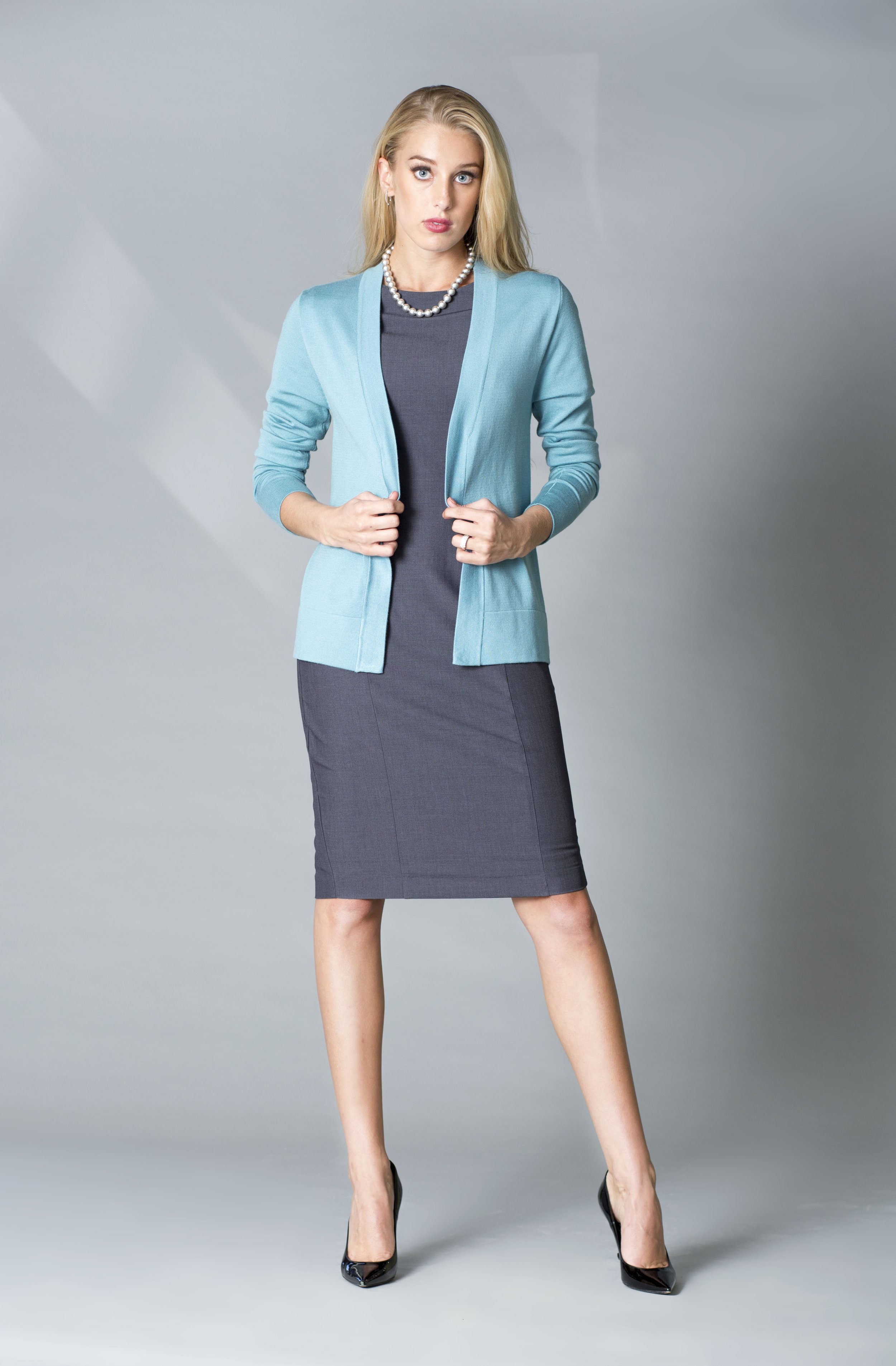 MDSN Vestido VV gris -card light teal copy.jpg