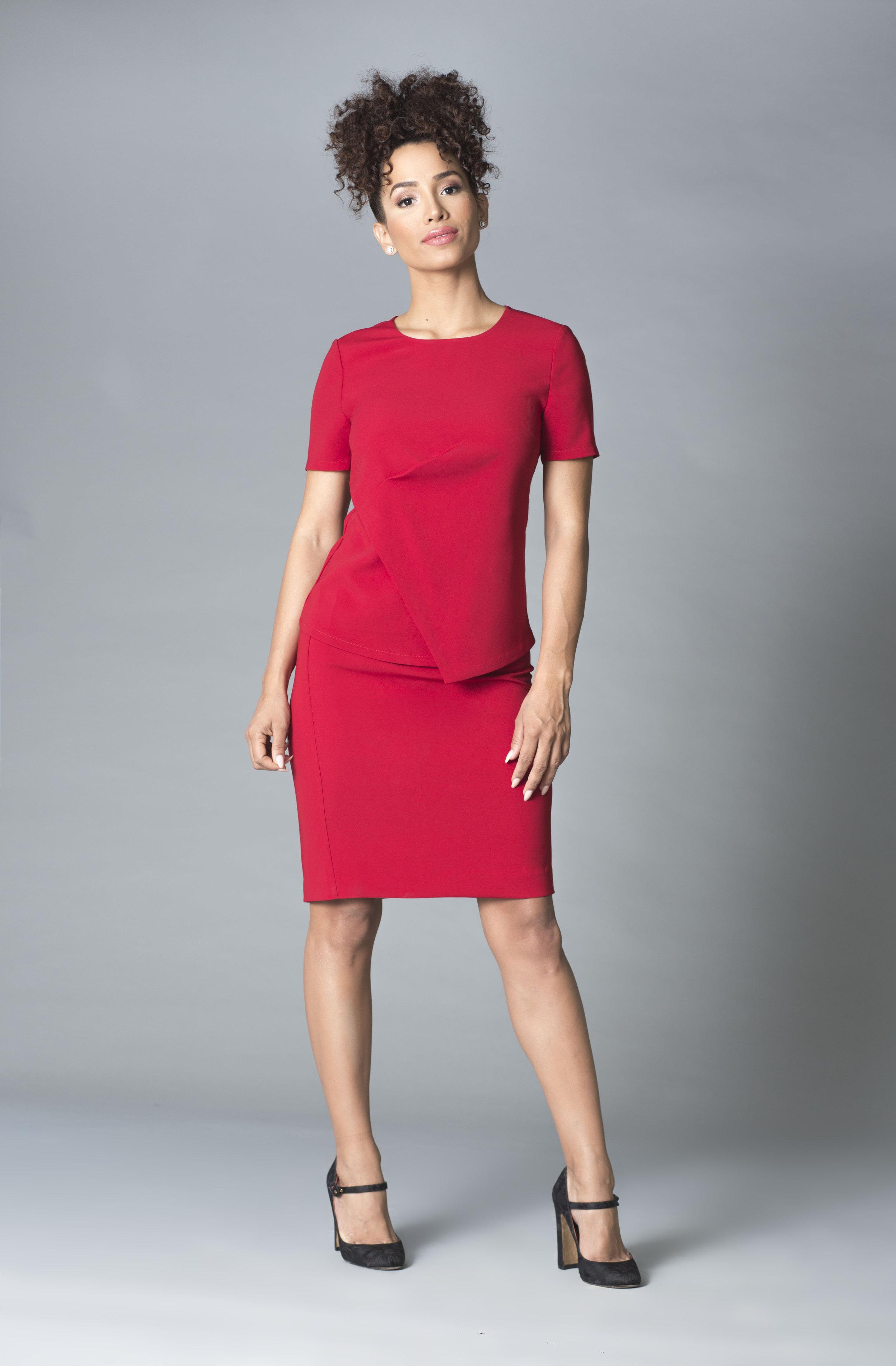 MRC  Amelie y falda rojo copy.jpg