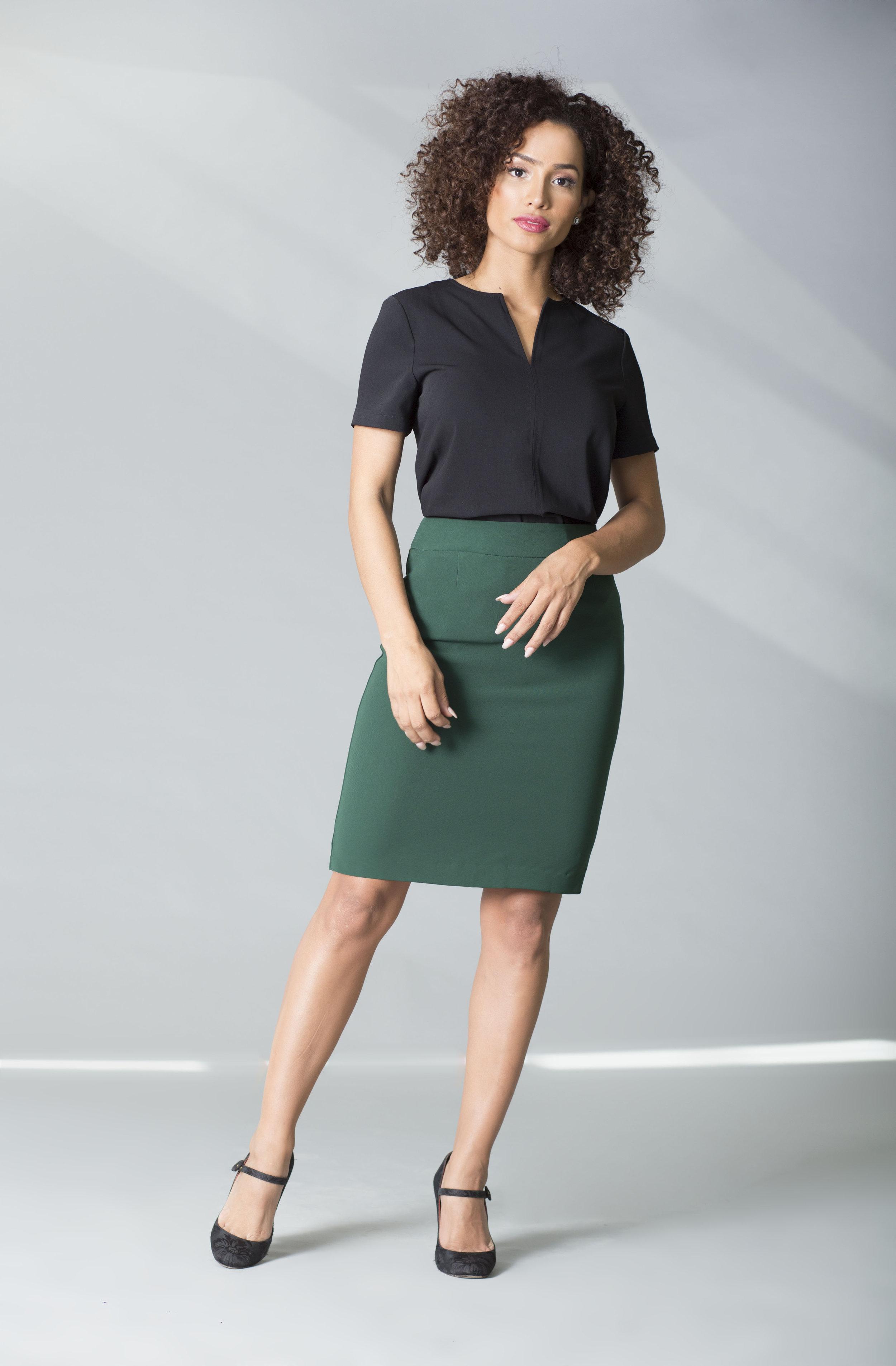 MRC mili negra falda verde copy.jpg