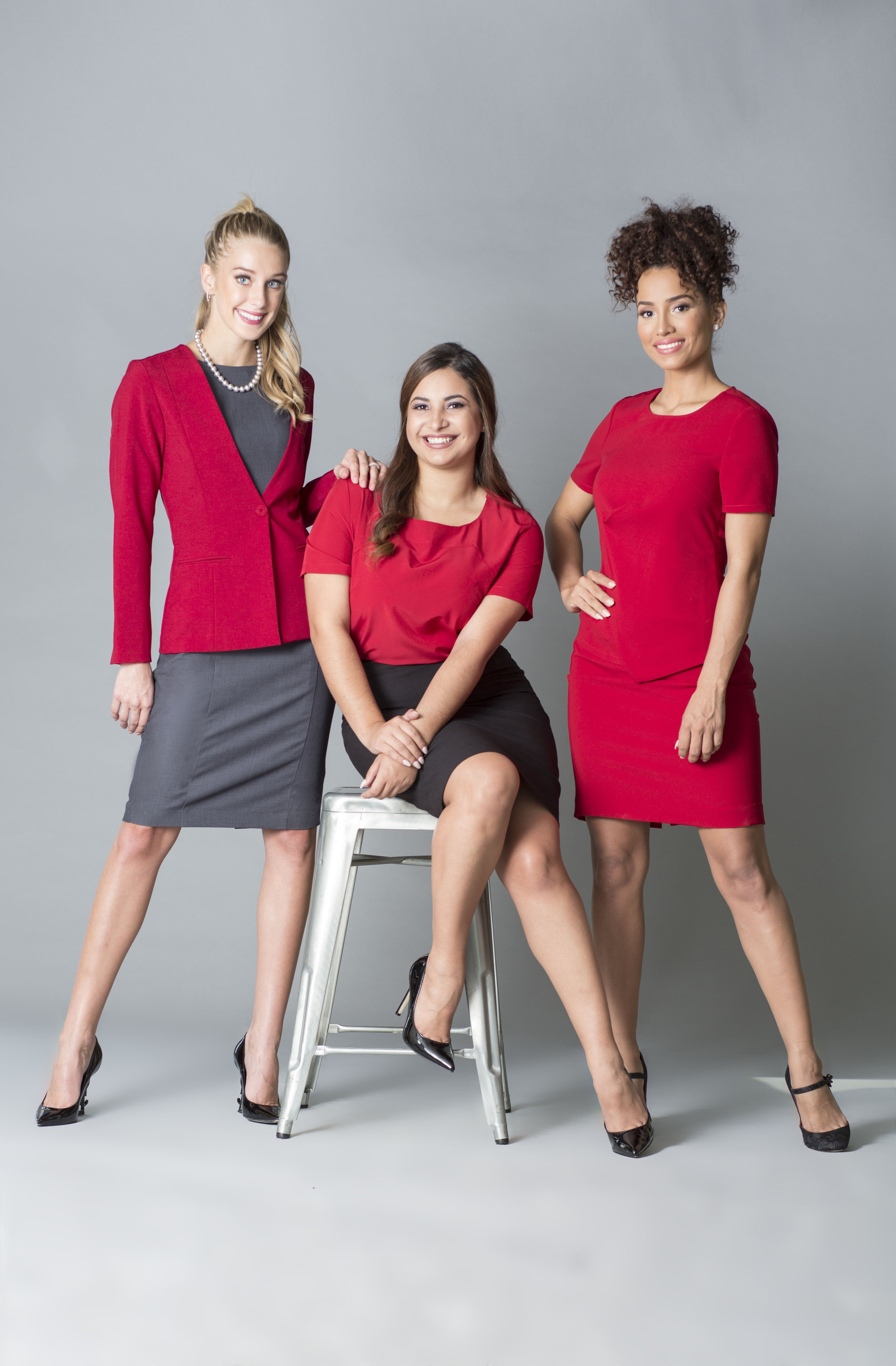 3 modelos de rojo copy.jpg