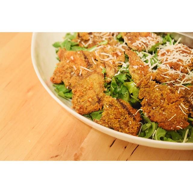#tbt to the finished salad. Terroni Funghi Assoluti home hack. #terroni #homesick #toronto #newyork #Brooklyn #homecooking #williamsburg #mushroom #salad #arugula #parmesan #healthynothealthy #food #foodporn #instafood #feedfeed #vegetarian