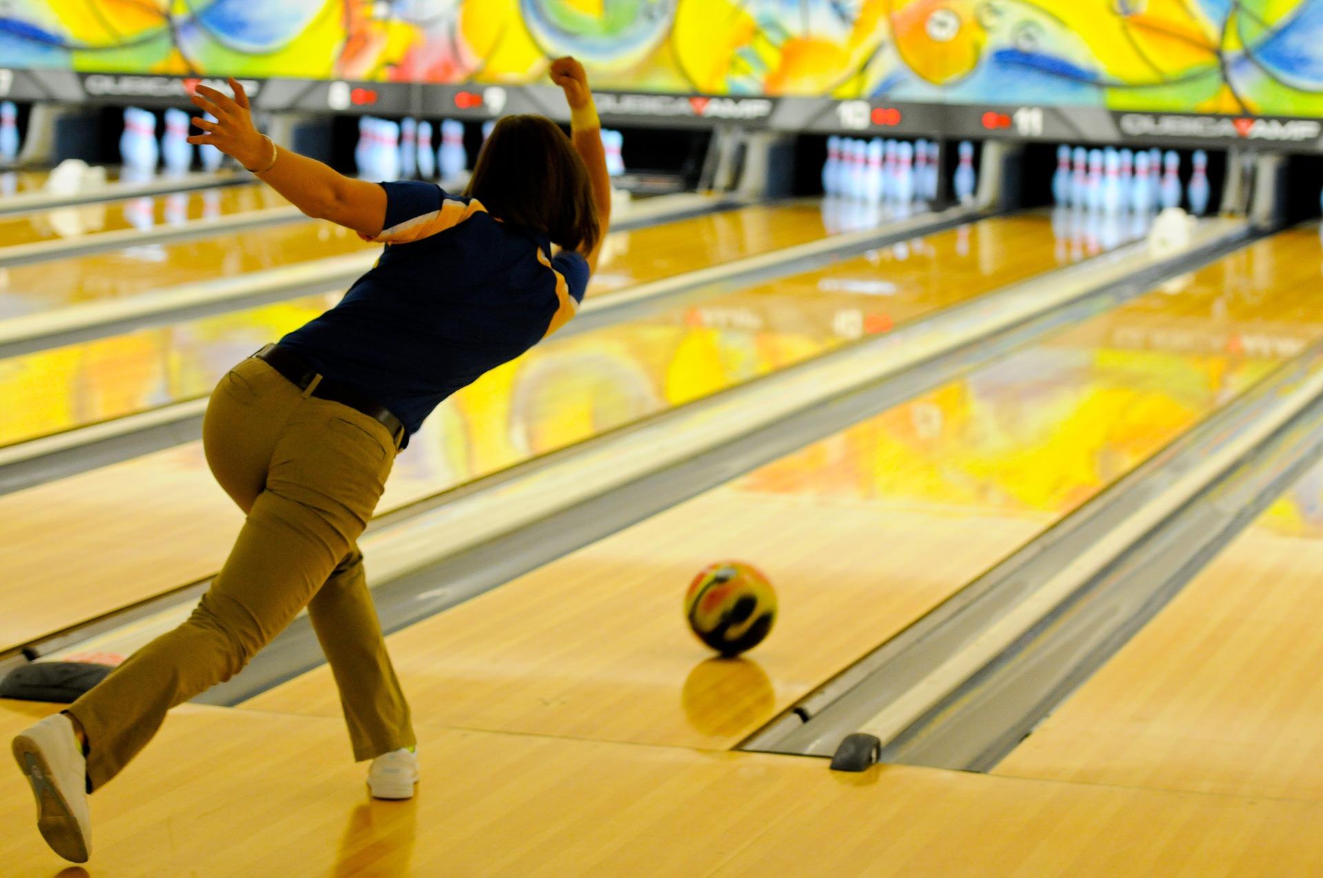 bowling-696132_1920.jpg