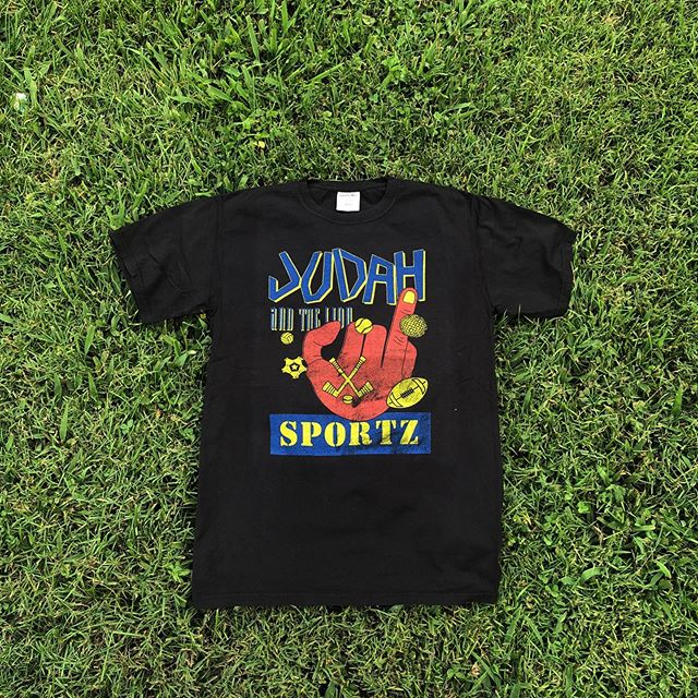 In honor of their Nashville hometown  show tonight at @ascend_amphitheater, here's one we printed for Judah and the Lion's merch line! 🦁🏀🏈⚾️