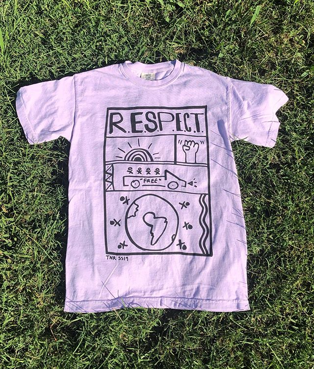 New song alert for our pals, The New Respects, reminded us how thankful we are we get to print shirts for them!! We love how creative they are with their designs and garment/color choices! This first one was a comfort colors pigment dyed tee in Ivory! Second is a black comfort colors with a split fountain print! 💜 #merch #screenprinting #coolbands #comfortcolors