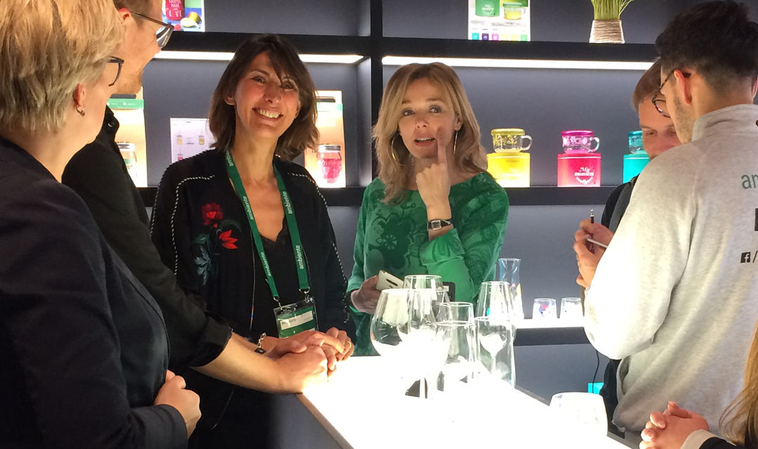 Véronique Jacquart and me chatting with Ben Wilson, from the Ambiente, and Kerstin Hülsmann, from Ritzenhoff, after the interview.