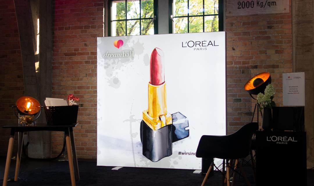 Fashion-illustration-live-sketch-event-Virginia-Romo-LOreal-Dreamball-2018-3