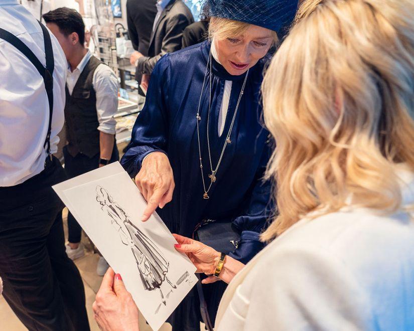 Virginia-Romo-Live-Sketching-Fashion-Illustration-Duftstars-Dior-Foto-Julian-Reichwald-zvWXVfKk--x-.jpg