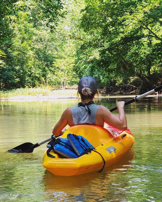 first time kayaking 🚣🏻♀️ #thisisalabama #springvillealabama #kayakadventures #saturdaze #optoutside #shotoniphone